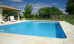 Sécuriser la piscine de sa location de vacances