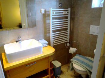 Apart MariLavanda, la salle d'eau Maritima