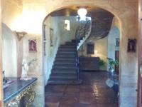 Escalier d'accès à l'étage vers l'appartement Pompea