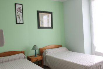 La chambre avec 2 lits