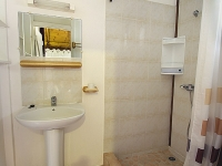 un cabinet de toilette