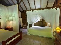 BAKOULELE bungalow 1 chambre 3 couchages 1 lit 140 1 lit 90