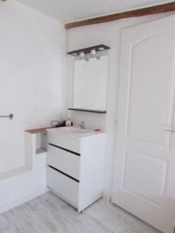 Un coin-lavabo dans chaque chambre