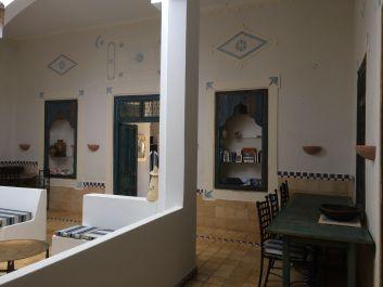 Salle à manger dans l'ancien patio