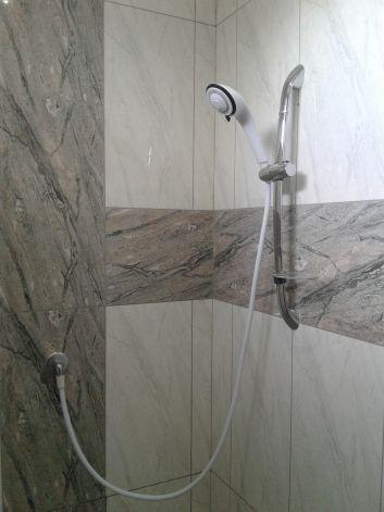 Cabine de douche ( étage ).