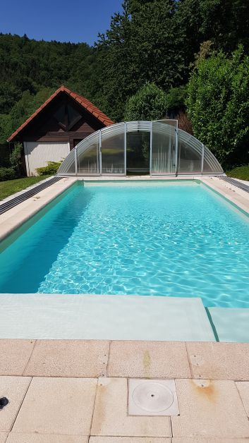 la piscine découverte 9m x 4m