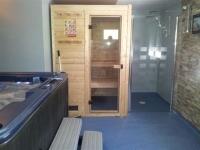 le sauna + jacuzzi 6 pl.
