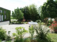 Jardin clos ombragé aménagé