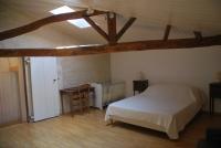 Chambre parentale avec lit en 160x200cm et lit bébé