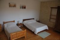 Chambre triple un lit en 140x190 cm et un lit simple