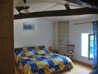 Du blanc et du bois pour une grande chambre triple