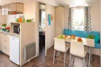 intérieure de mobil home      cuisine