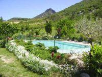 Le jardin et la montagne en arrière plan