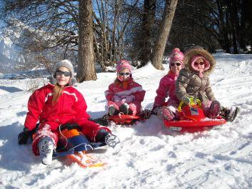 champs et stade de neige pour enfants