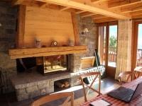 la cheminée coté salle à manger