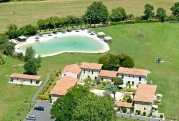 Laguna Lodge Résidence, 10 villa de luxe avec piscine naturelle