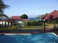 la villa vue de la piscine