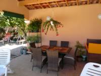 terrasse ombragée du pool house