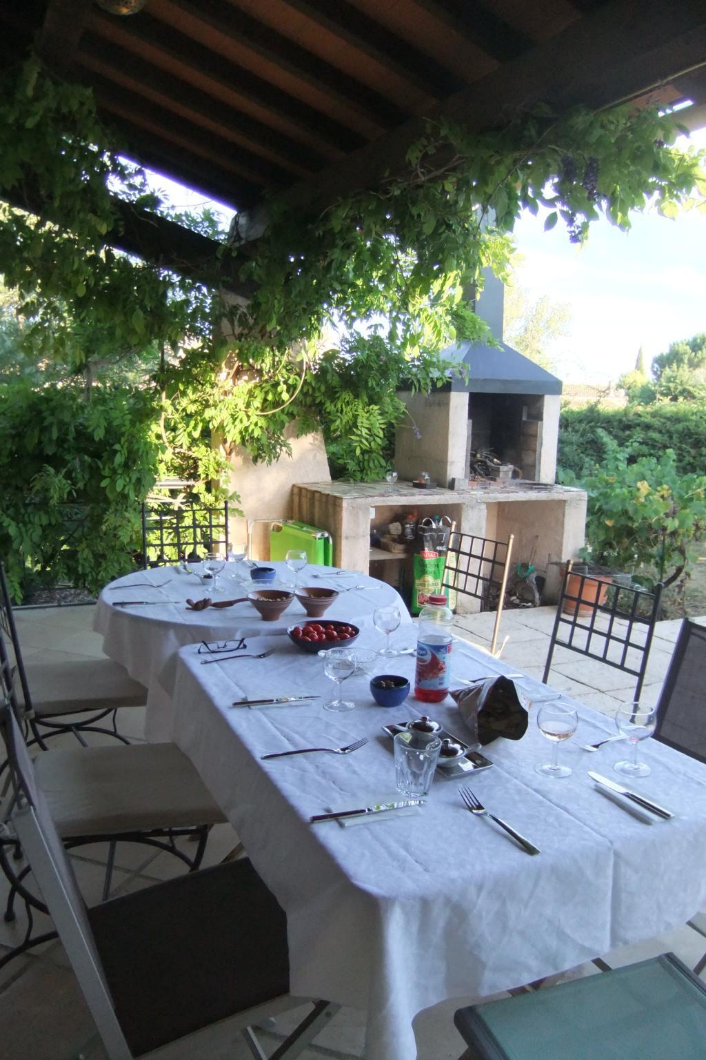 Jolie villa proven ale avec piscine et jardin arbor - Piscine clermont l herault ...