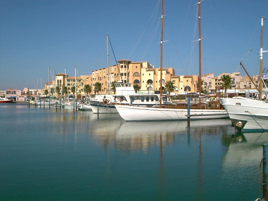 Au bord du port de leucate appartement pour 4 personnes port leucate coin priv - Location vacance port leucate ...