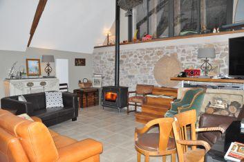 la salle de séjour RdC Brivezac Corrèze vallée de la Dordogne
