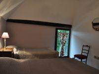 Chambre 2 RdC Brivezac Corrèze vallée de la Dordogne