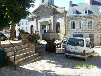 centre ville (La fontaine et l'église)