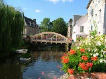 Le pont St Yves en centre ville