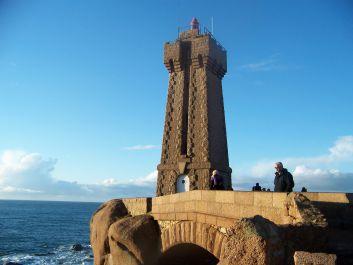 Le phare de Ploumanac'h (côte de granit rose)