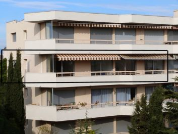 l'immeuble et l'appartement.