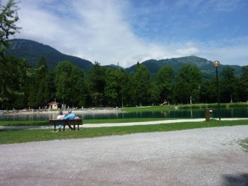 lac Bleu    du centre de loisirs  de Morillon   à 400 mètres du