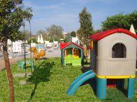 Jeux pour les enfants en jardin