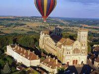 Survol de Vézelay en montgolfière: moment magique!