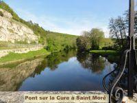 La rivière qui traverse le village: La Cure.