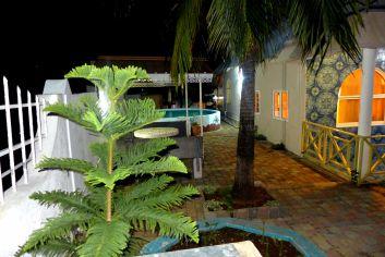 Villa COUCOU depuis l'entrée au parc privé