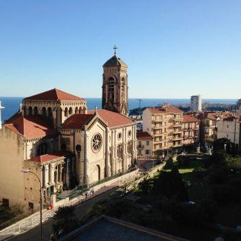 la vue de l'appartement vers l'église de Beausoleil