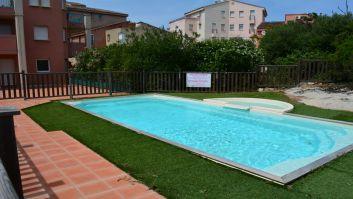 Grand bassin+ petit coin eau basse pour jeunes enfants + aire br