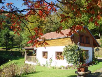 Le chalet et ses couleurs d'automne