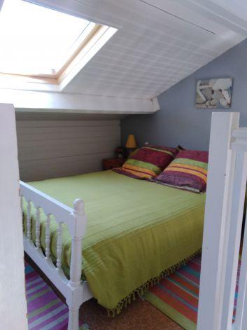 lit sur mezzanine