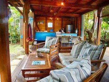 La terrasse couverte du bungalow Litchi