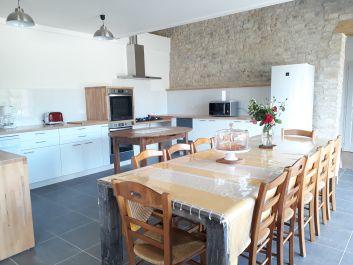 Très grande pièce à vivre salon et cuisine