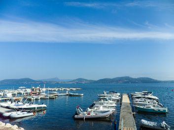 Vue Terrasse petit port La Madrague