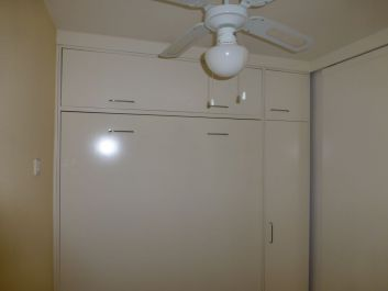 Petite chambre Rez-de-Jardin, lit escamotable 140x190