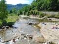 La rivière à 10 mn à pied du camping